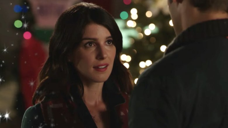 Shenae Grimes en Christmas Incorporated