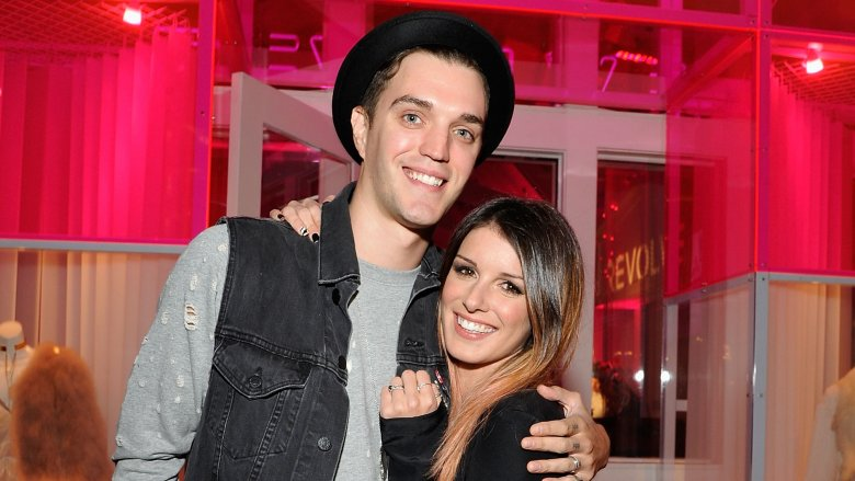 James Beech y Shenae Grimes