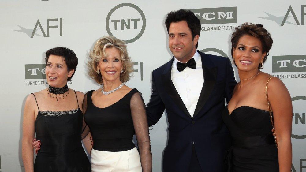 Jane Fonda y sus hijos: Vanessa Vadim, Troy Garity y Mary Luana Williams