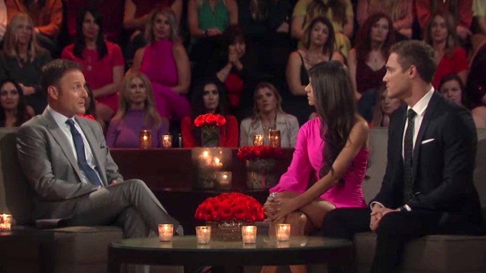 Madison Prewett, Chris Harrison, Peter Weber en el final de The Bachelor