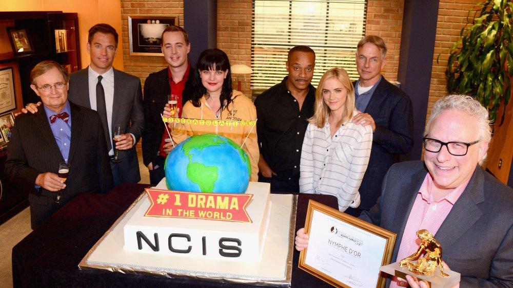 el elenco de NCIS, incluido Sean Murray