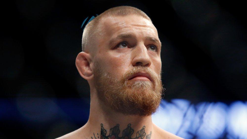 Conor McGregor mirando