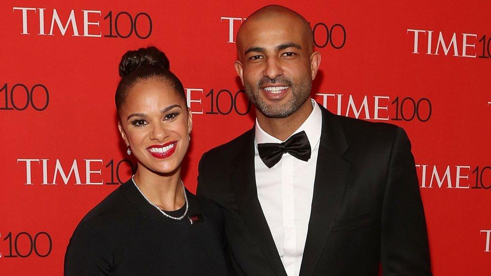 Misty Copeland con su esposo Olu Evans en la alfombra roja