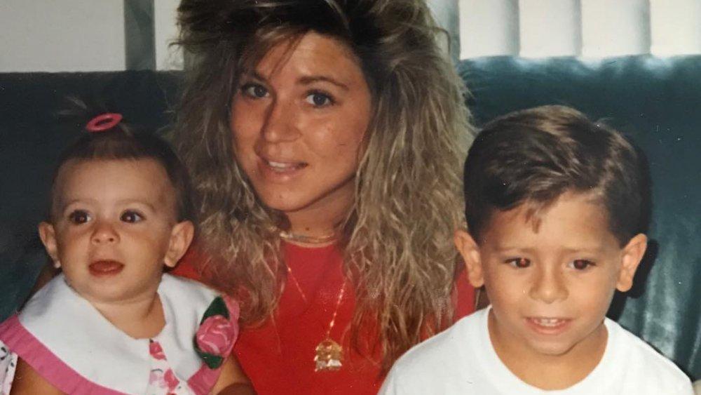 Victoria Caputo, Theresa Caputo y Larry Caputo Jr. en una foto de Instagram