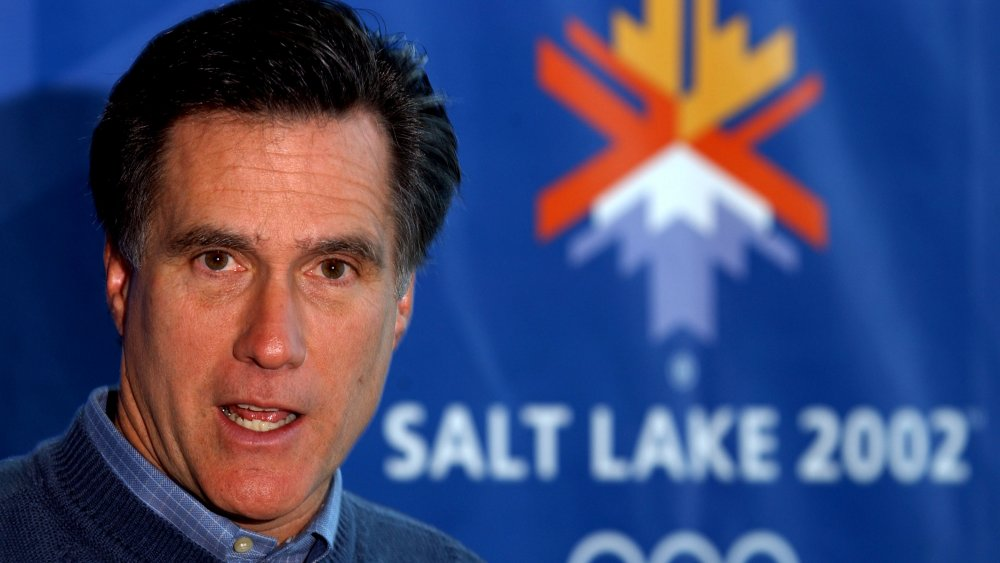 Mitt Romney en un evento de prensa para los Juegos Olímpicos de Salt Lake City