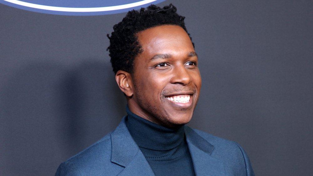 Leslie Odom Jr. asiste a la 51a edición de los NAACP Image Awards, presentados por BET, en el Auditorio Cívico de Pasadena