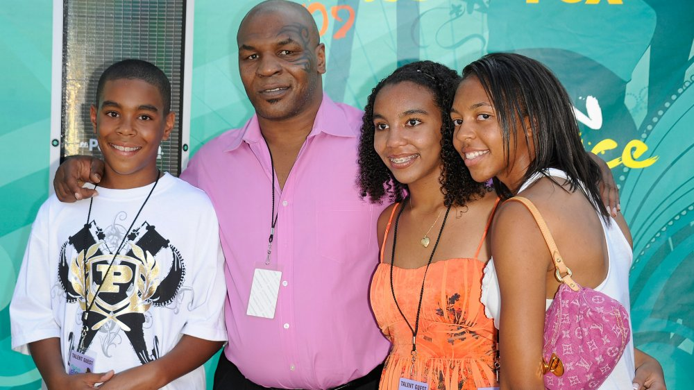 Mike Tyson y su familia en los Teen Choice Awards 2009