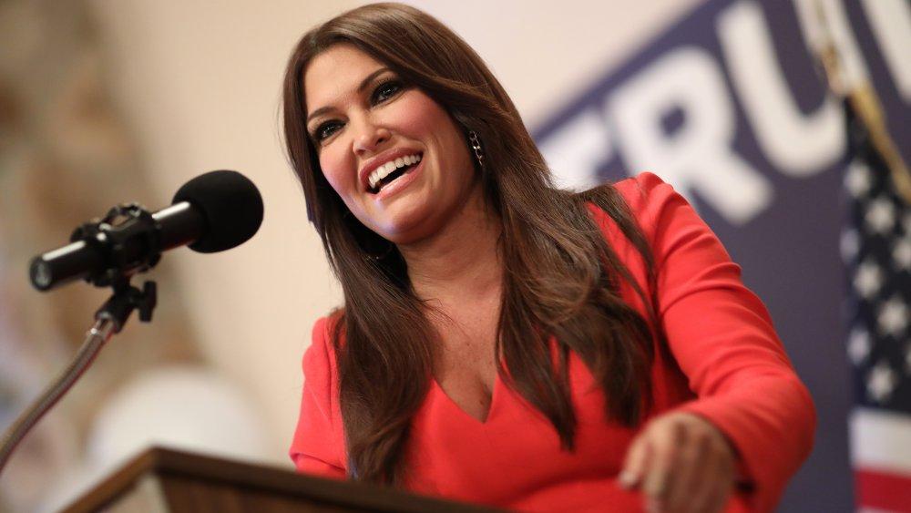 Kimberly Guilfoyle habla con los votantes de Virginia Occidental en un evento de campaña para el candidato republicano al Senado de los Estados Unidos, Patrick Morrisey