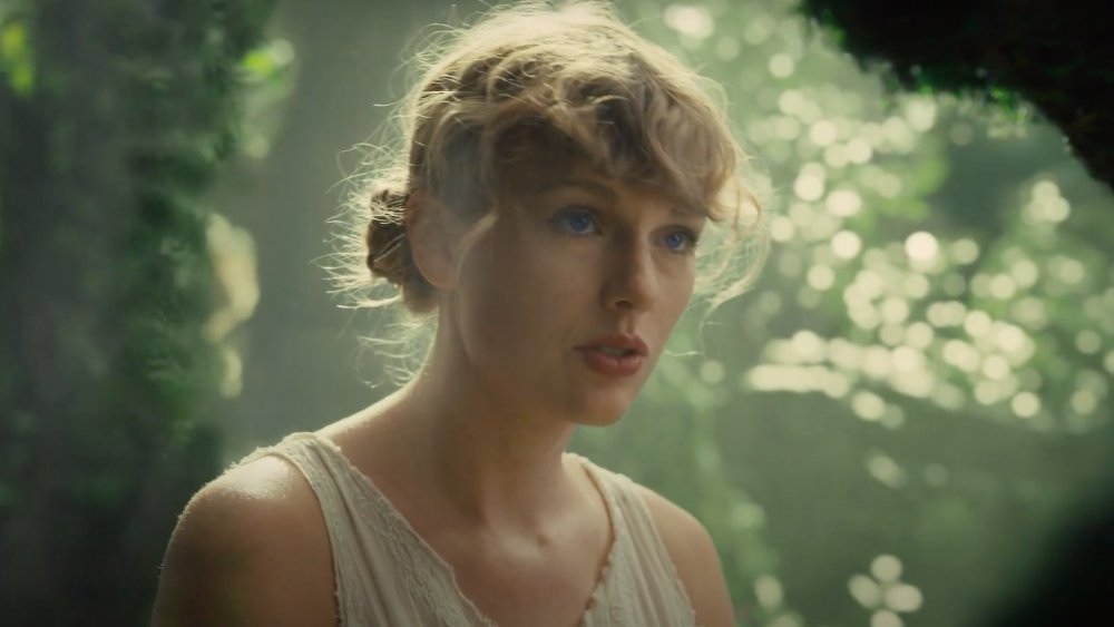 "Taylor Swift en ""Cárdigan"" del folklore"