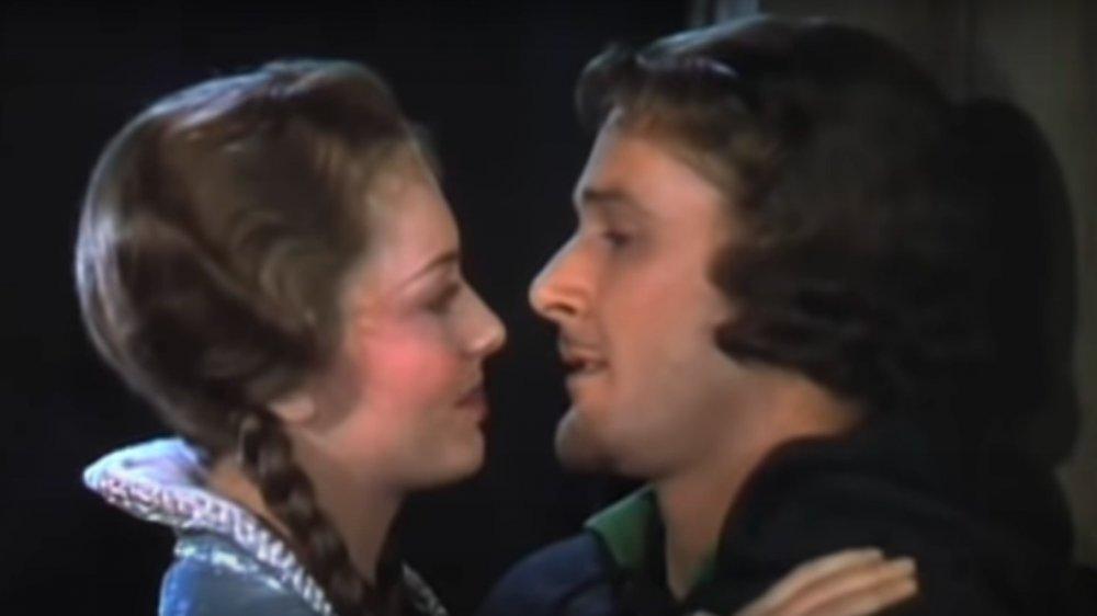 Olivia de Havilland, Errol Flynn actuando uno frente al otro