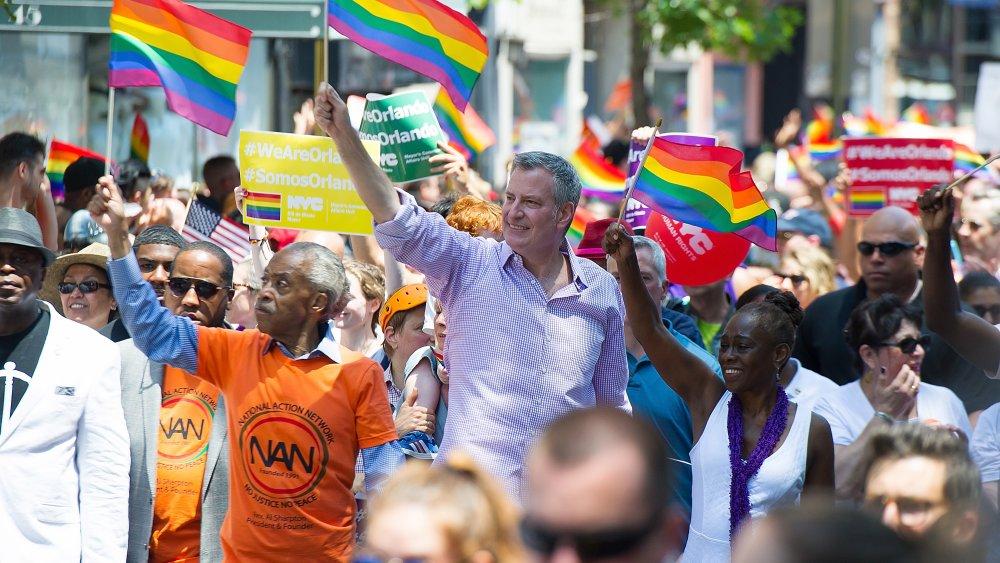Al Sharpton, Bill de Blasio, Chirlane McCray en el New York City Pride Parade en 2016