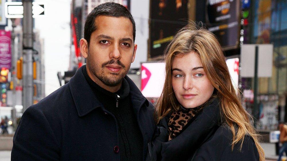 David Blaine y Alizee Guinochet en Nueva York, afuera