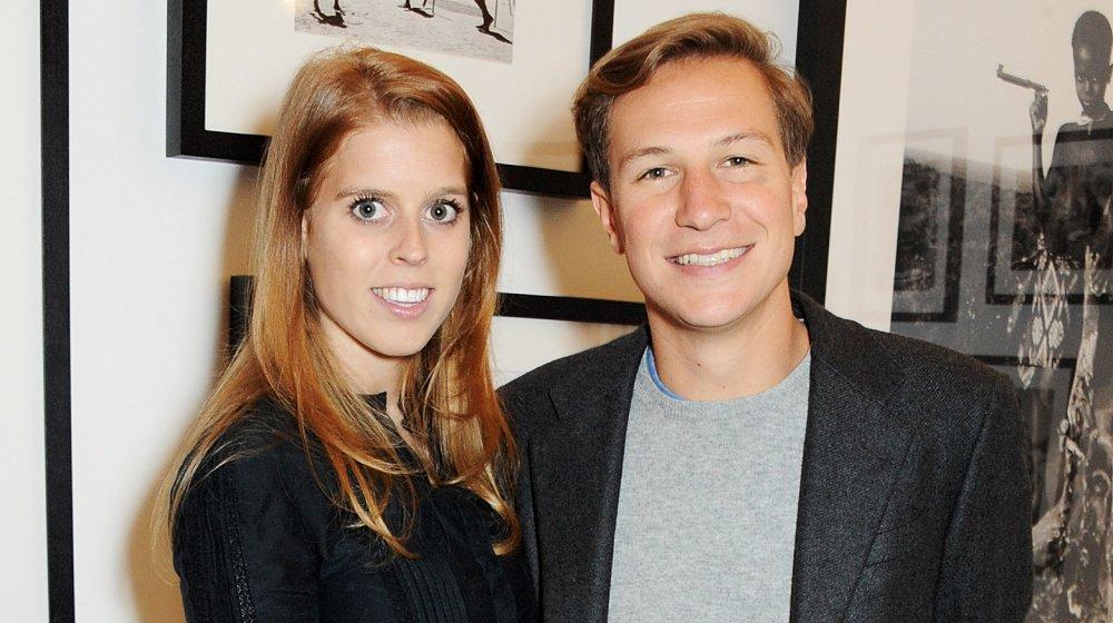 La princesa Beatriz y el ex novio David Clark, ambos sonriendo