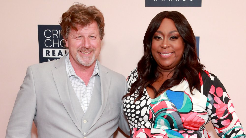James Welsh, Loni Love en 2019 Critics' Choice Real TV Awards