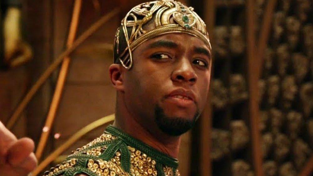 Chadwick Boseman en una escena de Dioses de Egipto