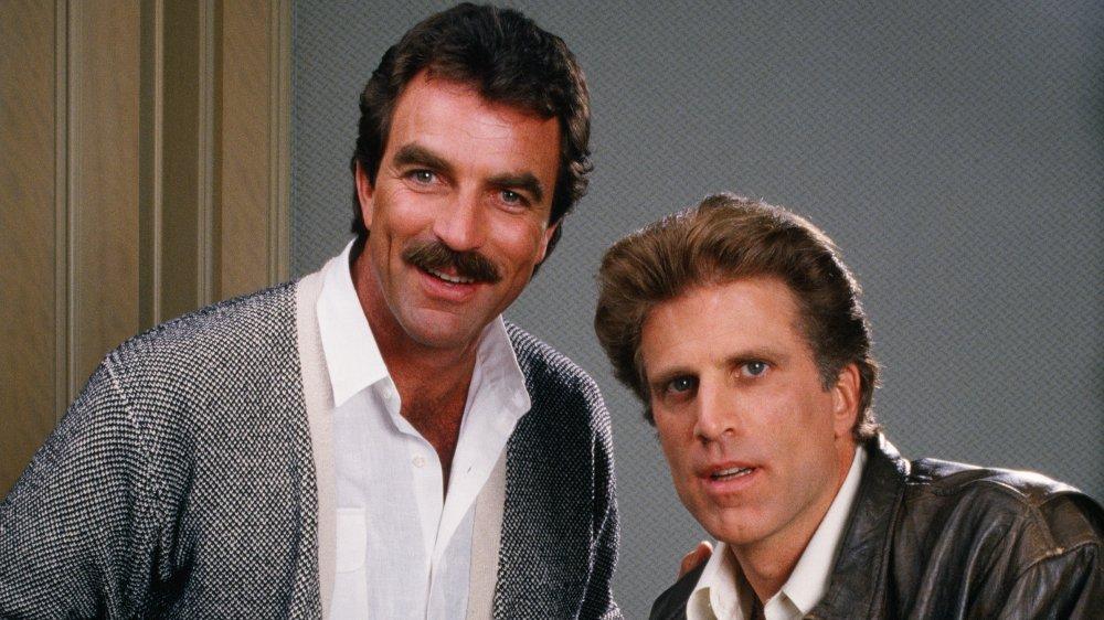 Tom Selleck y Ted Danson posando para un retrato en 1988