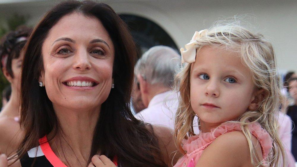 Bethenny Frankel y Bryn en 3rd Annual Hamptons Paddle y Party for Pink