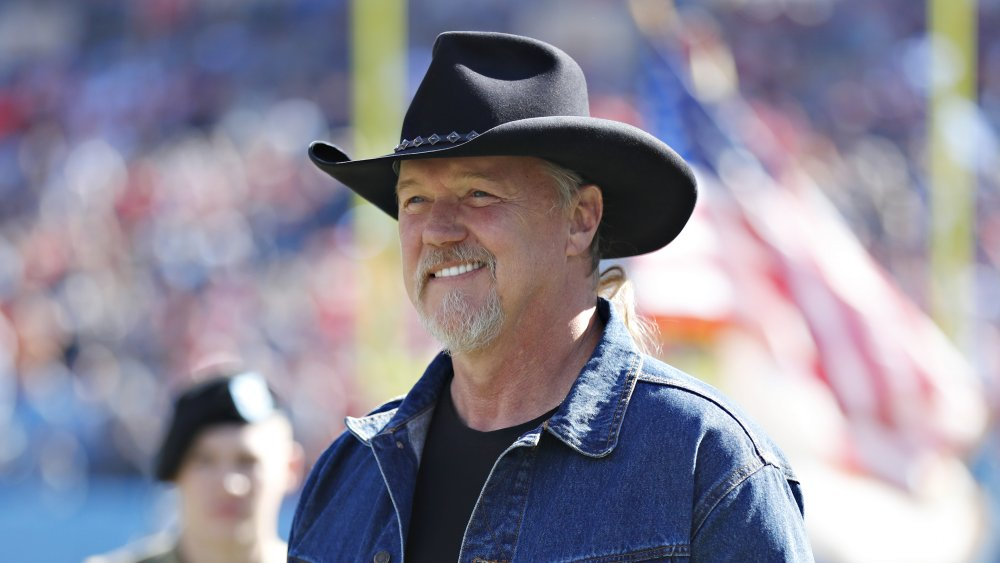 Trace Adkins canta National Anthem en Tennessee Titans y Kansas City Chiefs juego