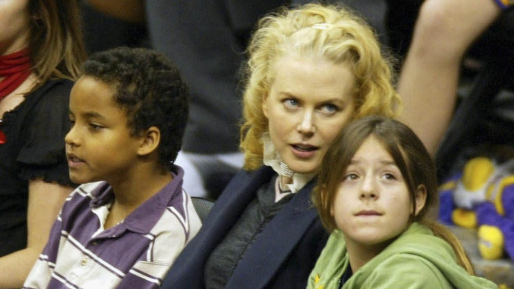Nicole Kidman con niños adoptados Connor e Isabella Cruise en un evento deportivo