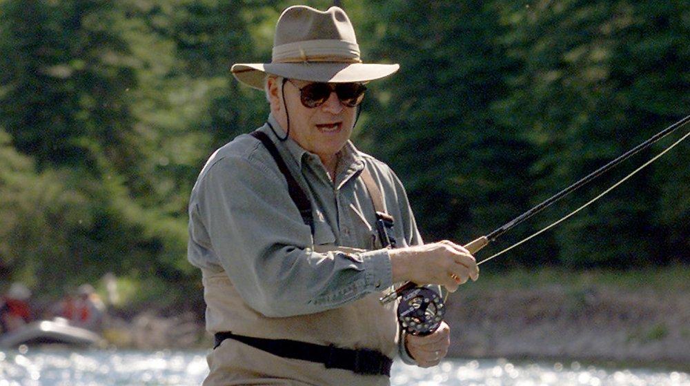 Dick Cheney pesca con mosca en el río Snake en 2001