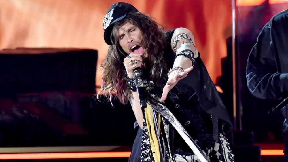Steven Tyler en la 62a edición de los premios Grammy