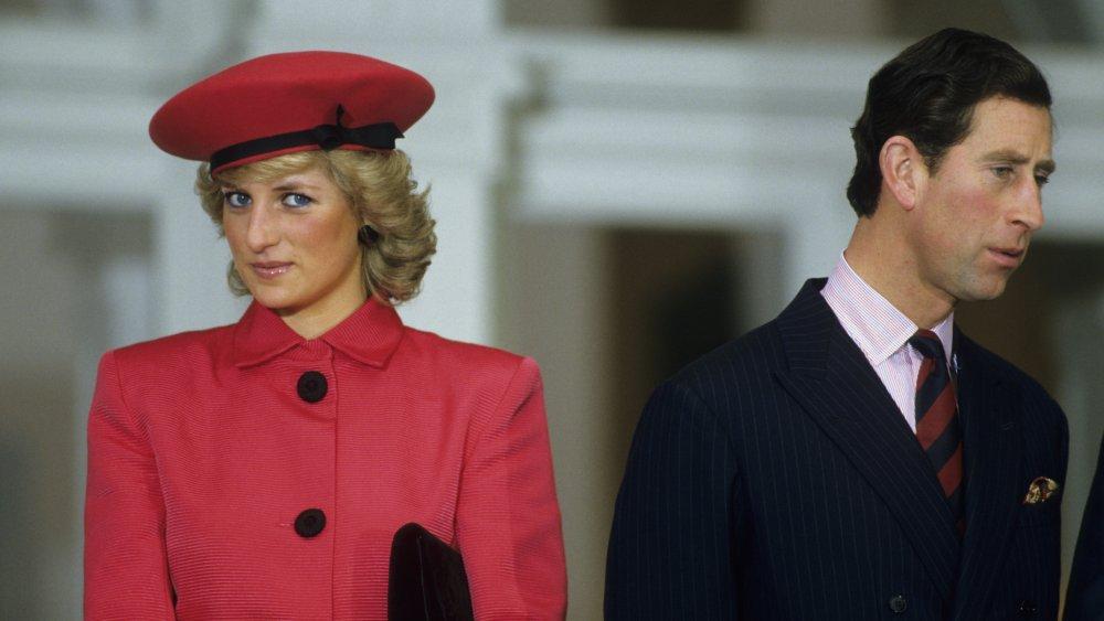 La princesa Diana y el príncipe Carlos durante una función celebrada en su honor en 1987