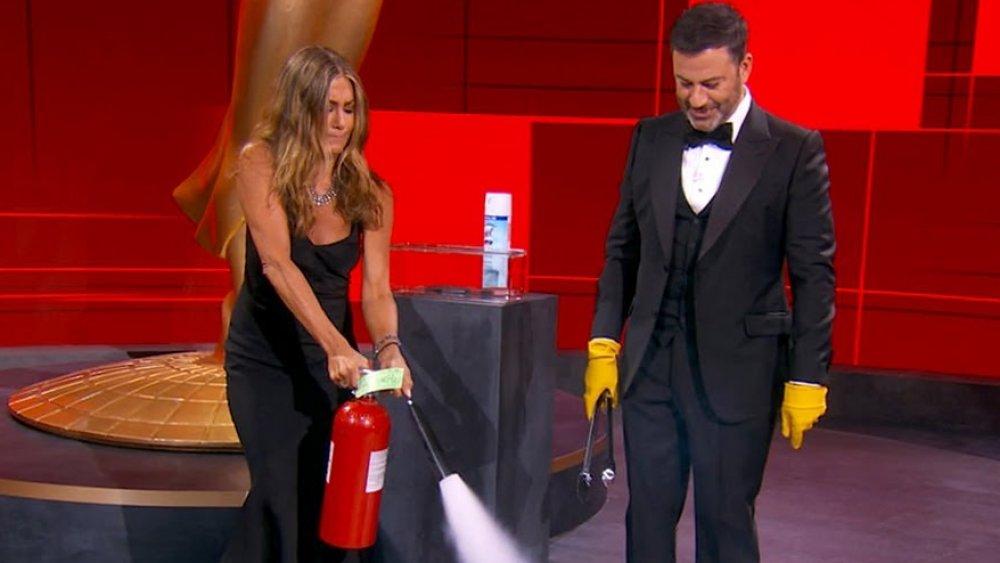 Jennifer Aniston y Jimmy Kimmel en los Premios Emmy 2020