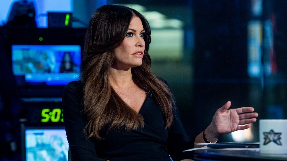 Kimberly Guilfoyle co-presentación de The Five en Fox News