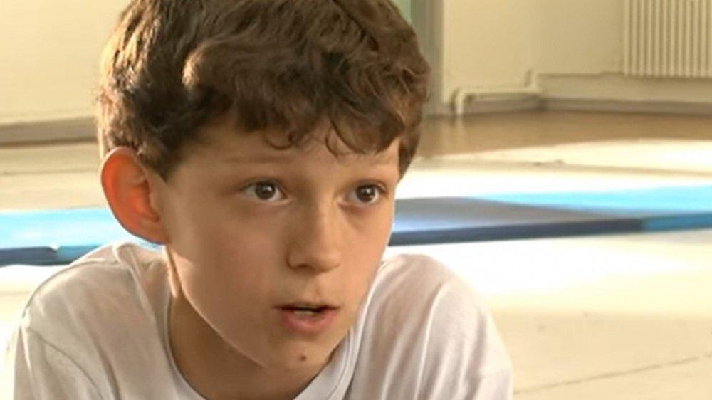 Un joven Tom Holland ensayando para Billy Elliot: The Musical