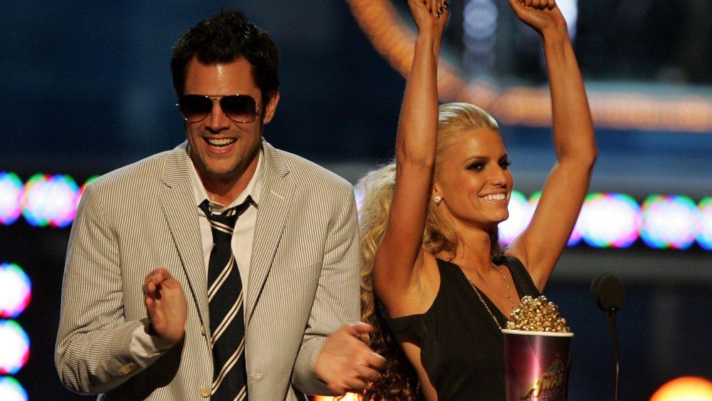 Johnny Knoxville y Jessica Simpson en MTV Movie Awards