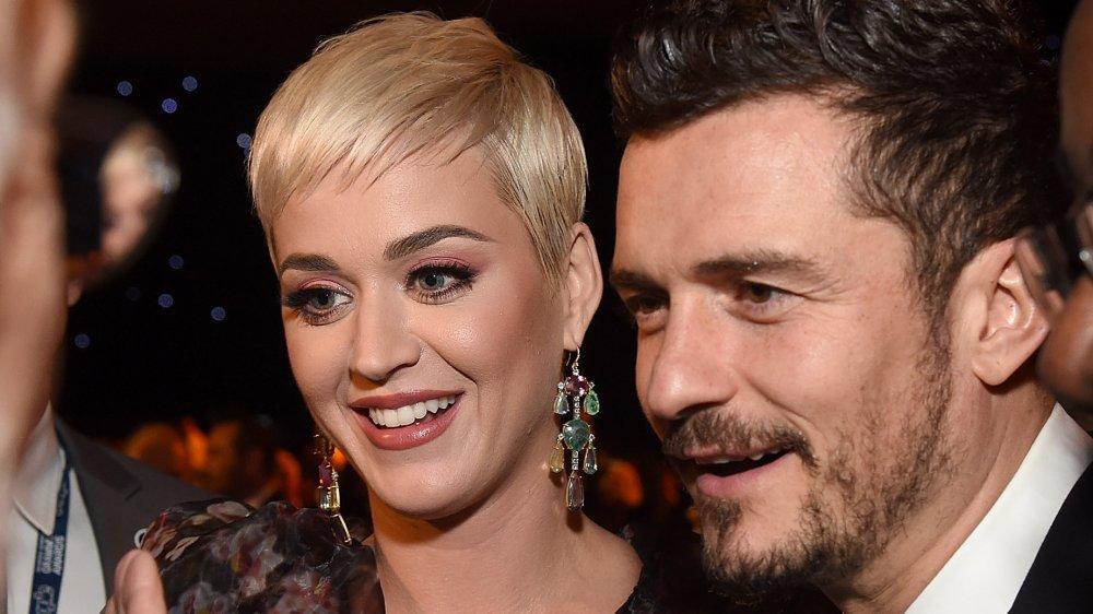 Katy Perry y Orlando Bloom en MusiCares Persona del año en honor a Dolly Parton en 2019