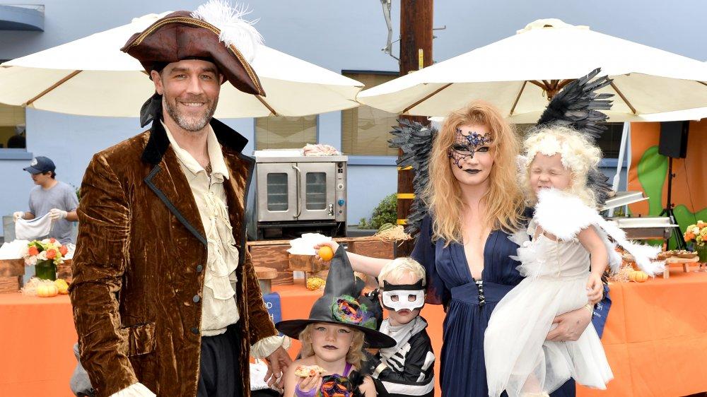La familia Van Der Beek en el First-Ever GOOD + Foundation Halloween Bash en 2016