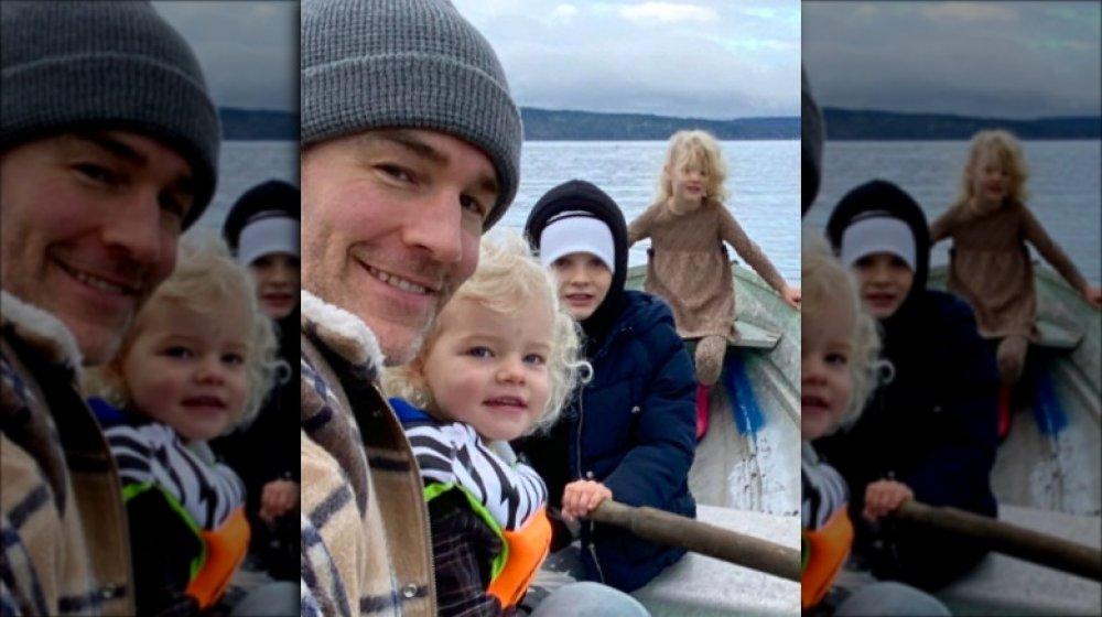 James Van Der Beek con su familia