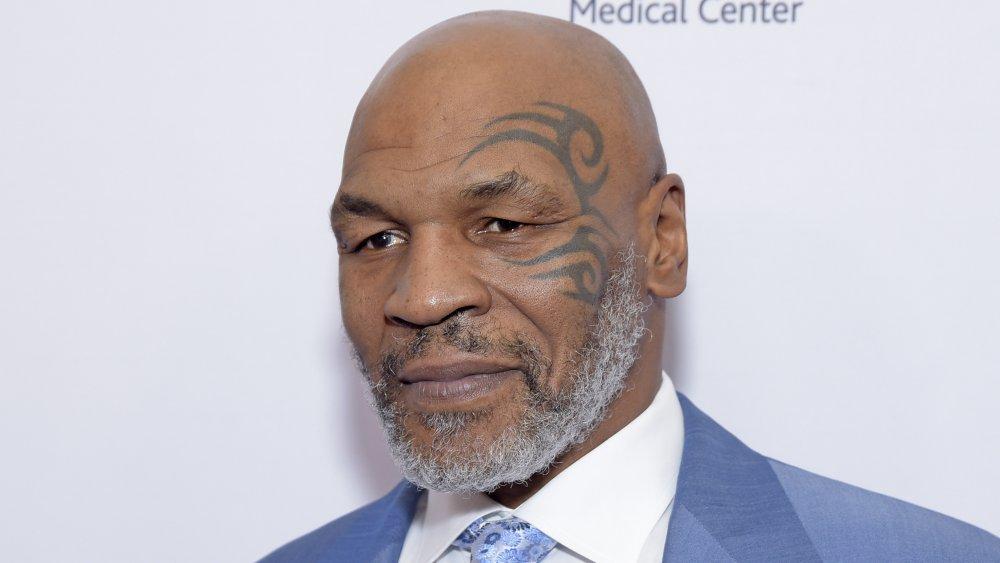 Mike Tyson y su característico tatuaje facial