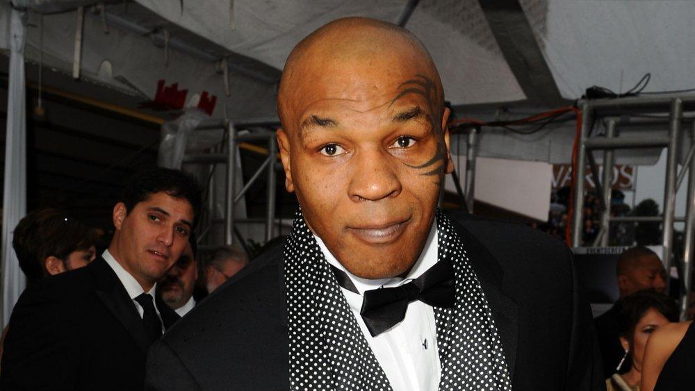 Mike Tyson en evento formal