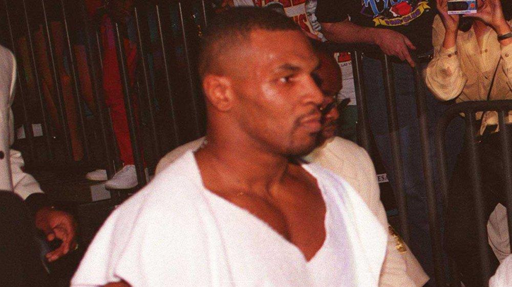 Mike Tyson antes de un combate de boxeo
