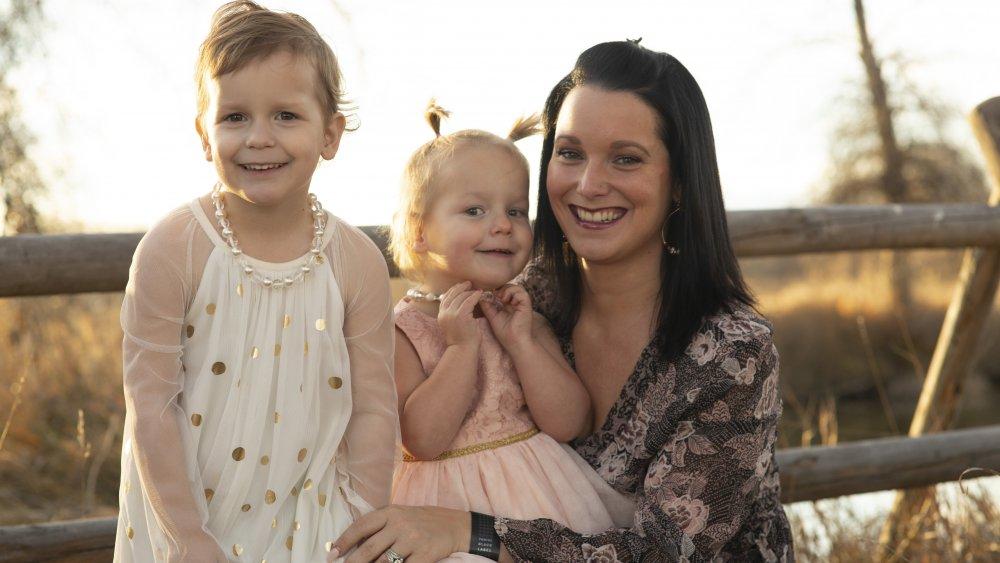 Shanann Watts y sus hijas sonriendo