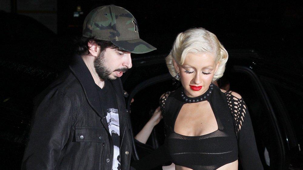 """Jordan Bratman y Christina Aguilera asisten a la fiesta de lanzamiento de su álbum """"Bionic"""" el 9 de junio de 2010"""