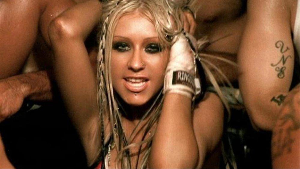 Christina Aguilera en el video musical de Dirrty