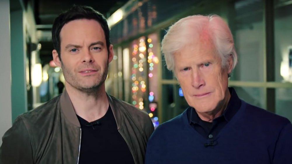 Bill Hader y Keith Morrison lucen serios en una entrevista de Sunday Today