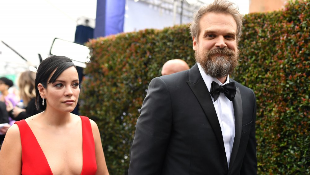 Lily Allen y David Harbour en la 26a edición de los Screen Actors Guild Awards