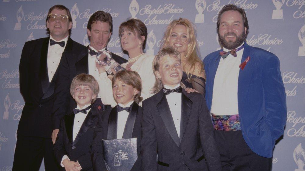 Zachery Ty Bryan con el elenco de Home Improvement en los People's Choice Awards
