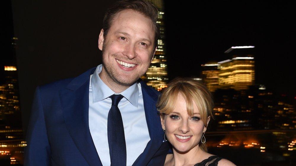 Winston Rauch y Melissa Rauch en una fiesta posterior a la proyección de The Bronze en 2016