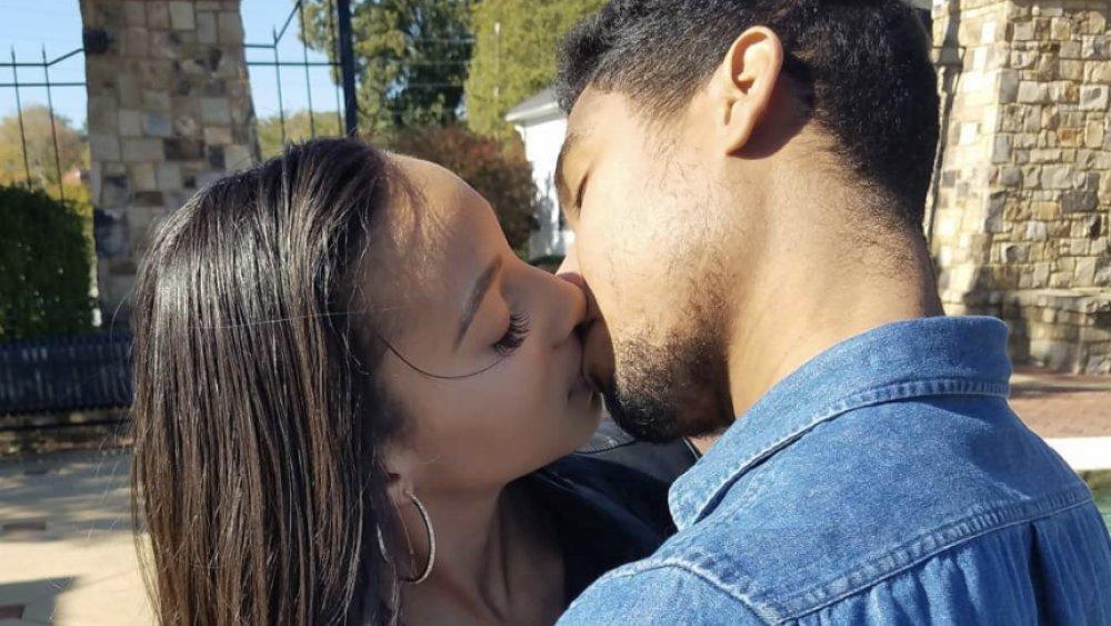 Chantel Jimeno y Pedro Jimeno besándose