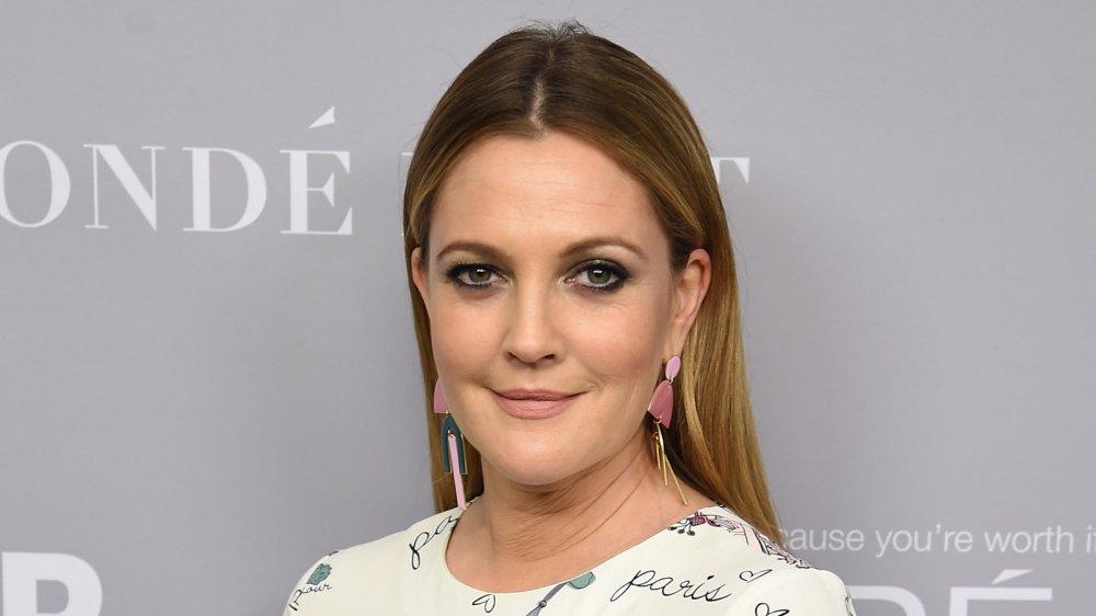 Drew Barrymore en los premios Mujeres del Año 2017 de Glamour