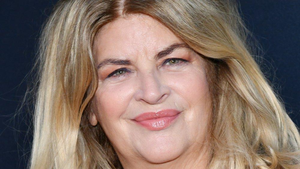 Kirstie Alley sonriendo
