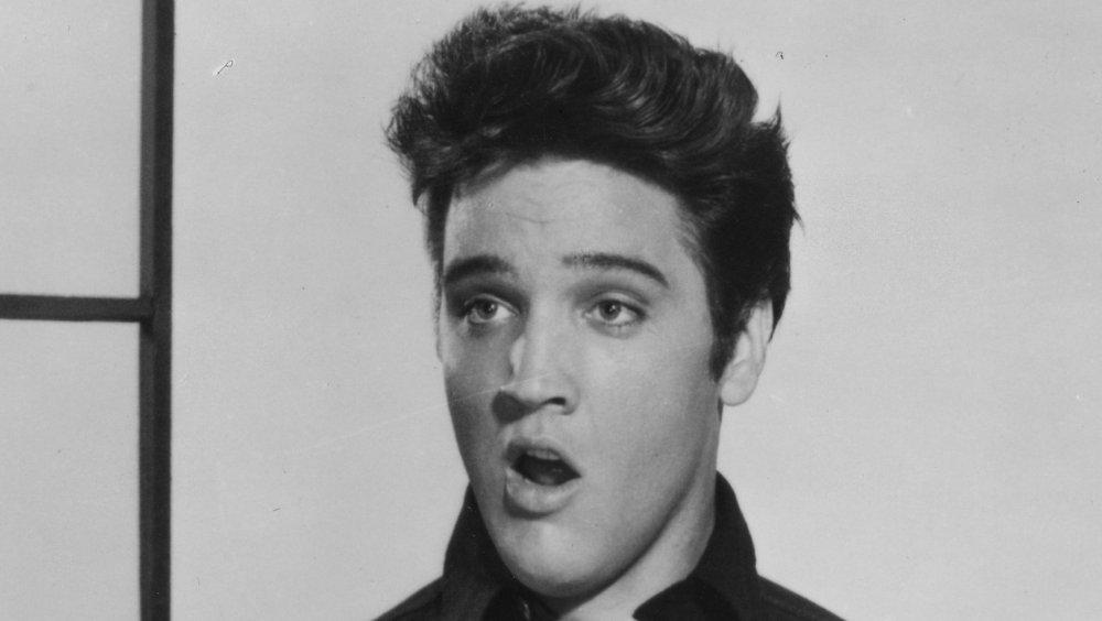 """Elvis Presley en """"Jailhouse Rock"""" en 1957"""