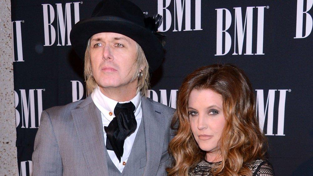 Lisa Marie Presley y Michael Lockwood en los premios BMI Country Awards en Nashville, Tennessee, en octubre de 2012