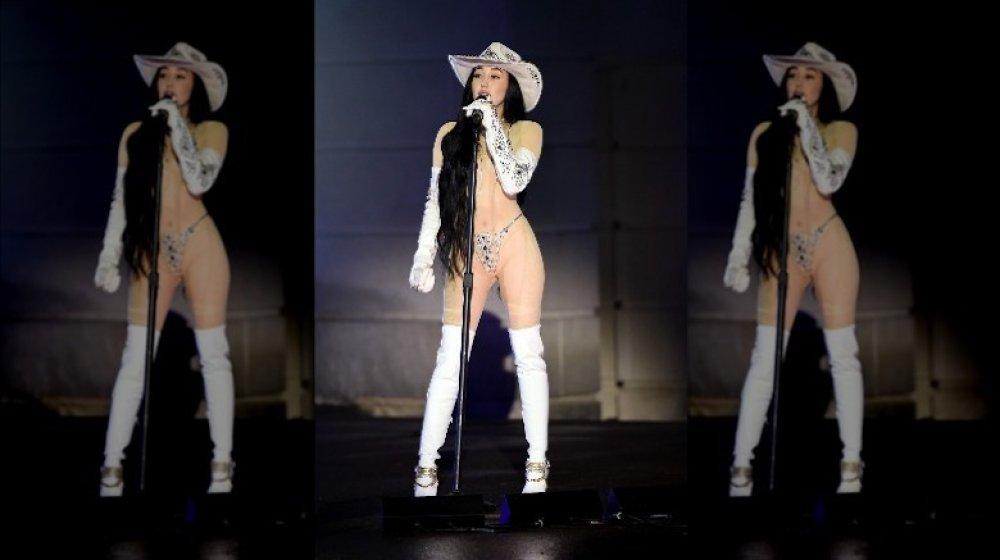 Noah Cyrus en los CMT Music Awards 2020