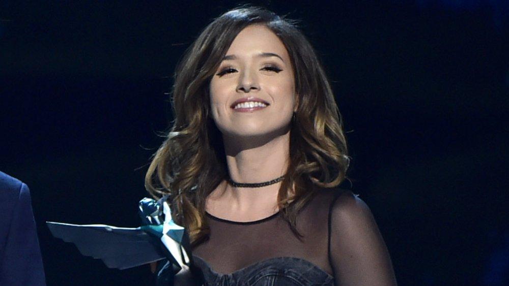 Pokimane sonriendo en los Game Awards 2018